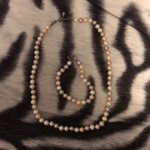 Freshwater Pearl Necklace and Bracelet Set